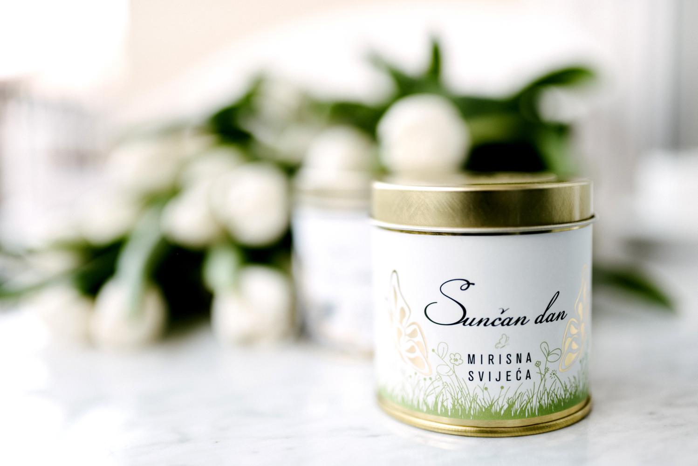 Mirisna svijeća u limenci - Sunčan dan ( Mirjana Mikulec design)